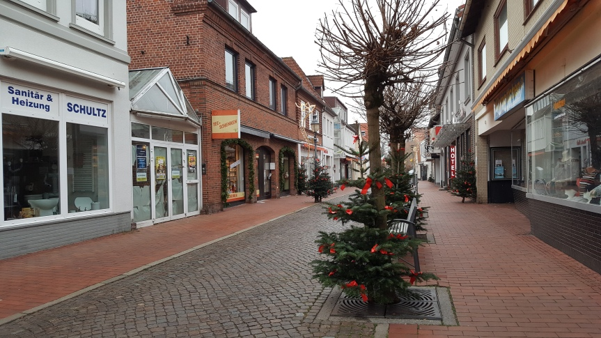 Not a creature is stirring on a Saturday morning in Neustadt in Holstein. Photo by Dragonfly Leathrum
