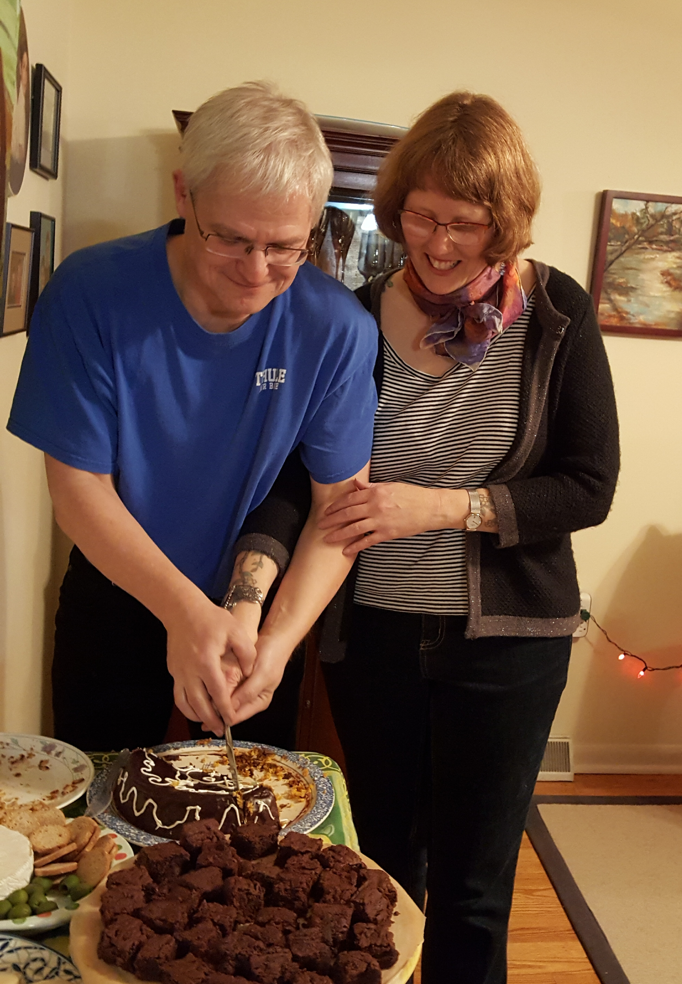 We almost forgot the obligatory cutting the cake photo. Lucky for us Caryn baked a cake.