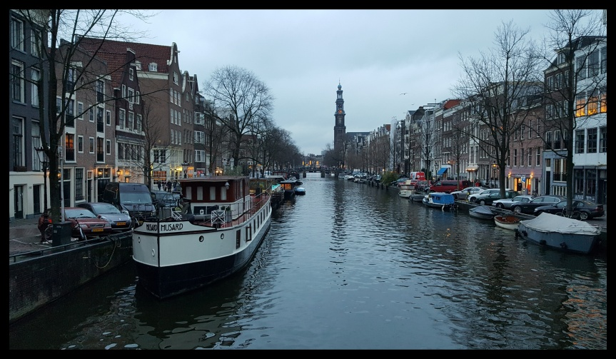 Not quite 4:00pm in Amsterdam a few days before Christmas. Photo by Dragonfly Leathrum