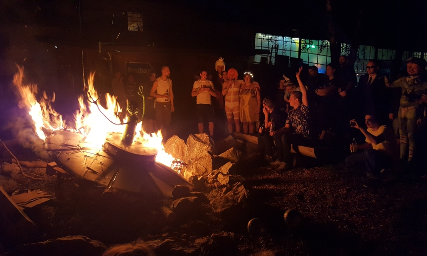 Burning the Alien and his ship at Kalkwerk. Photo by Dragonfly Leathrum