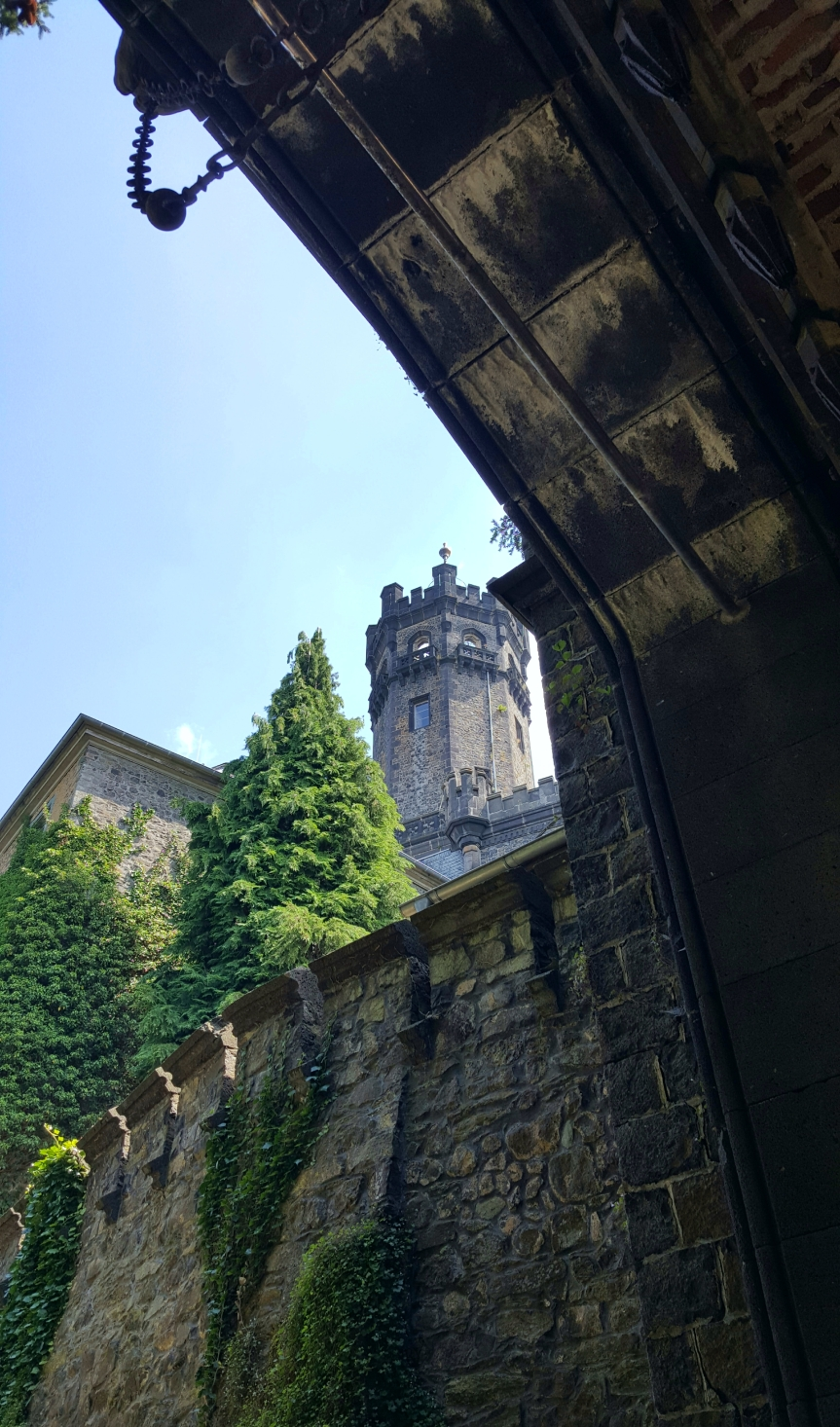 Schaumburg Castle. Photo by Dragonfly Leathrum